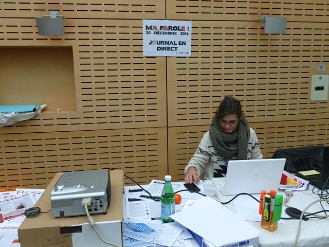 Atelier Journal en direct - Catherine Pernot en pleine réalisation du Mistral à réaction(s)